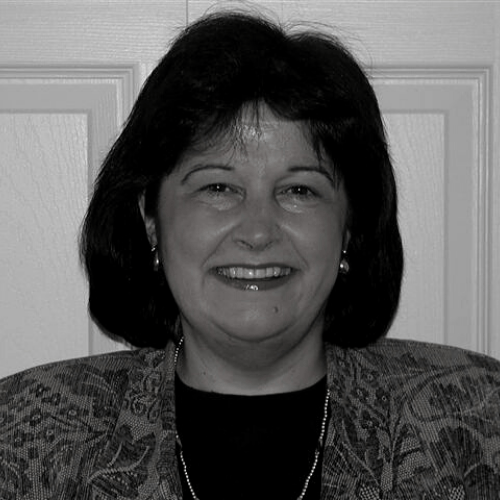 Elieen Aveni Headshot